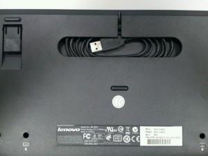 旧モデル(ThinkPad USB トラックポイントキーボード)裏面